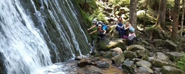 Les enfants en randonnée dans les Hautes-Vosges